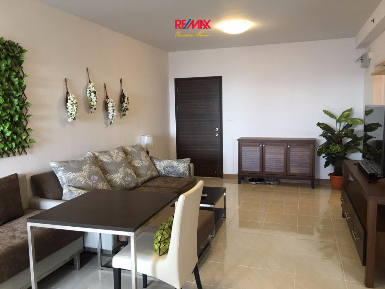 RE/MAX Executive Homes Agency's Beautiful 2 Bedroom for Rent Supalai Park Ekamai Thonglor 2