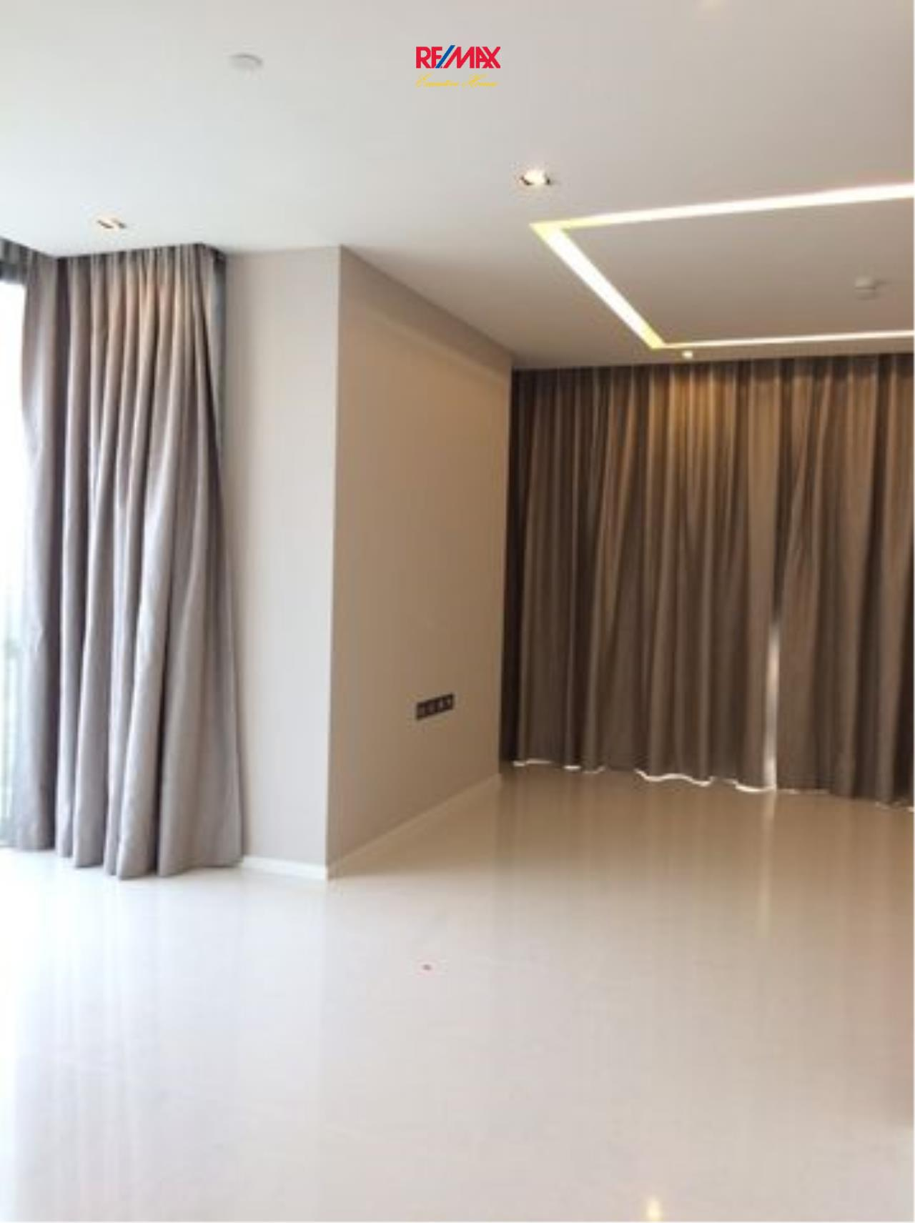 RE/MAX Executive Homes Agency's Spacious 2 Bedroom for Sale The Bangkok Sathorn 3