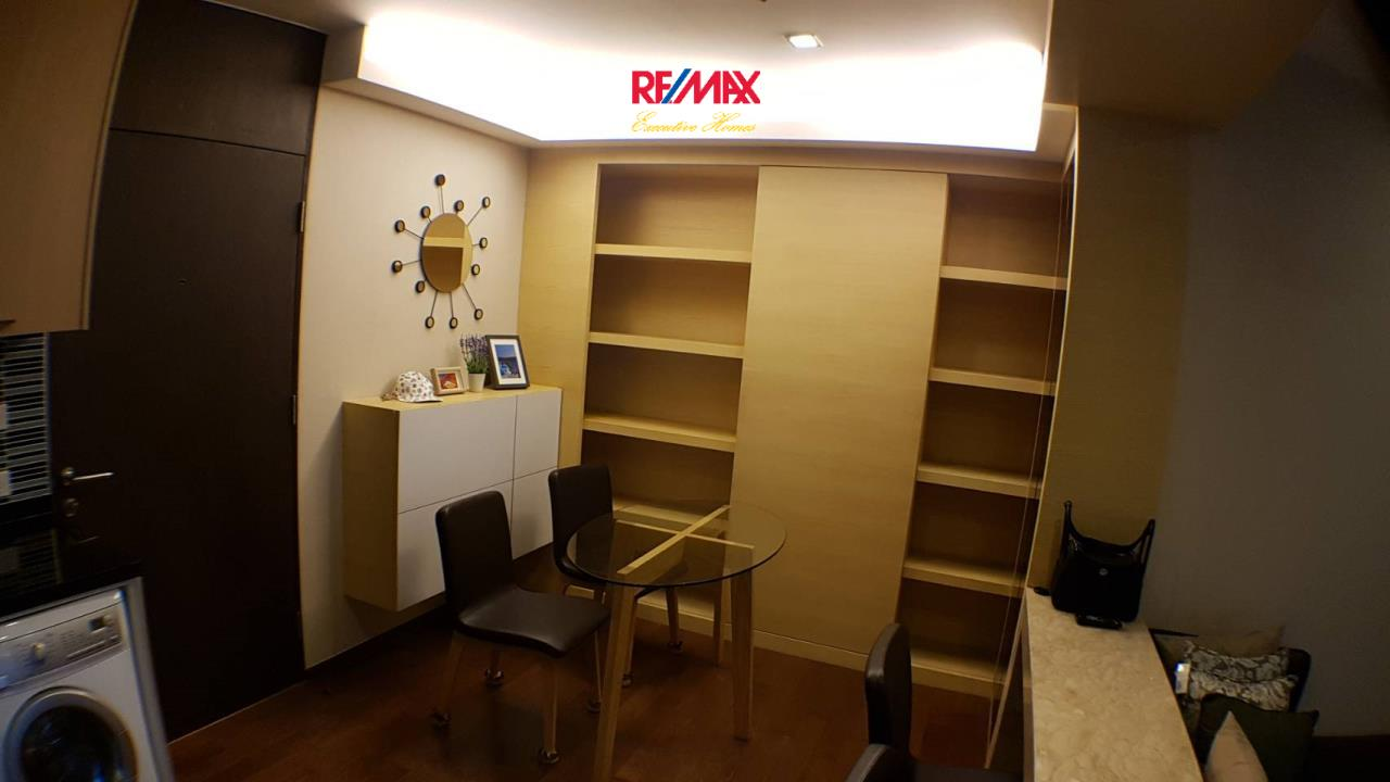 RE/MAX Executive Homes Agency's Lovely 2 Bedroom for Rent and Sale Noble Remix  8