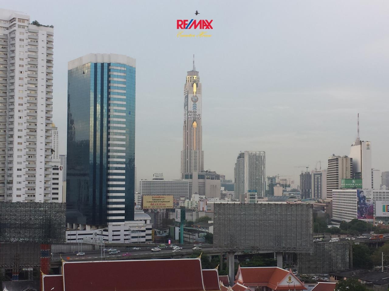 RE/MAX Executive Homes Agency's *EXCLUSIVE* 1 BED CORNER UNIT WITH LARGE BALCONY IN SUKHUMVIT SOI 1. FOR SALE 4