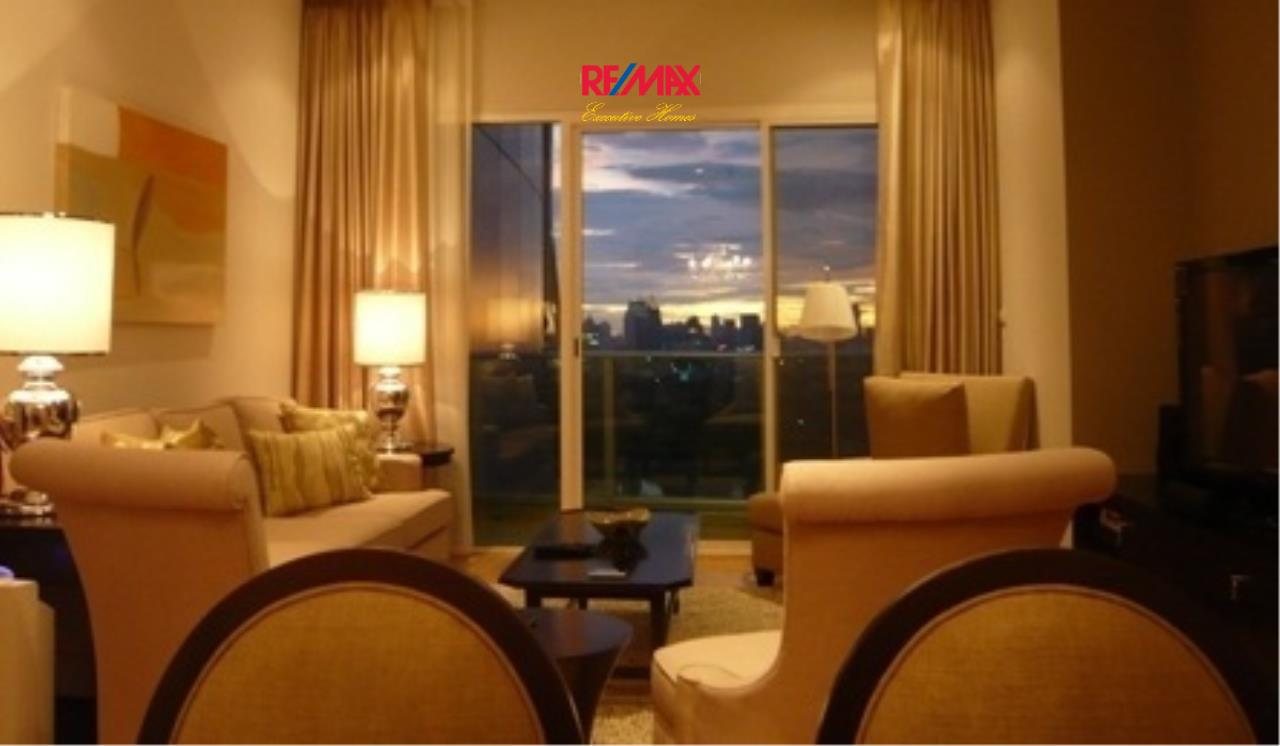 RE/MAX Executive Homes Agency's Beautiful 2 Bedroom for Rent Millennium Residence 3