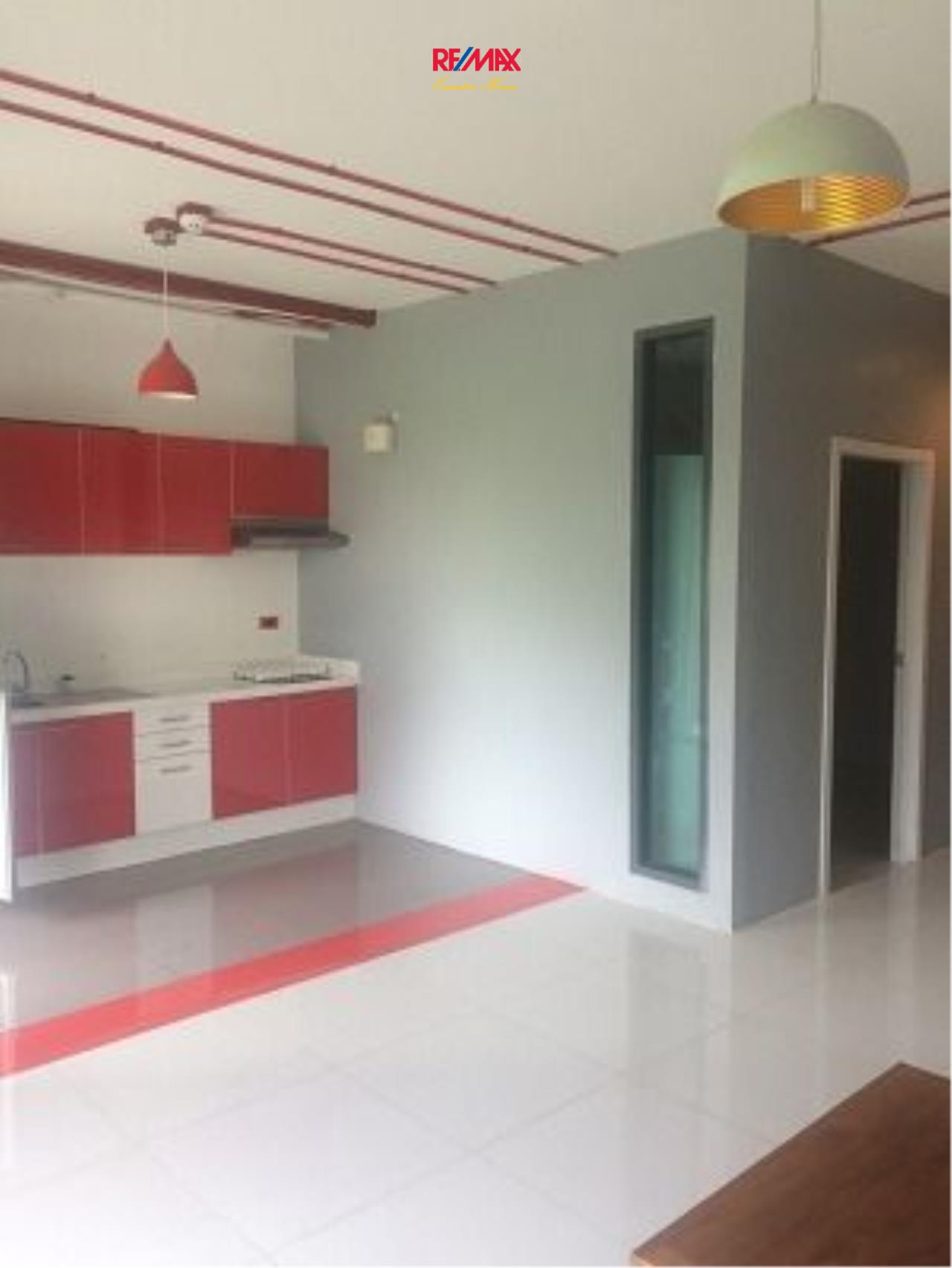 RE/MAX Executive Homes Agency's Office Space for Rent in Apai Loft 6