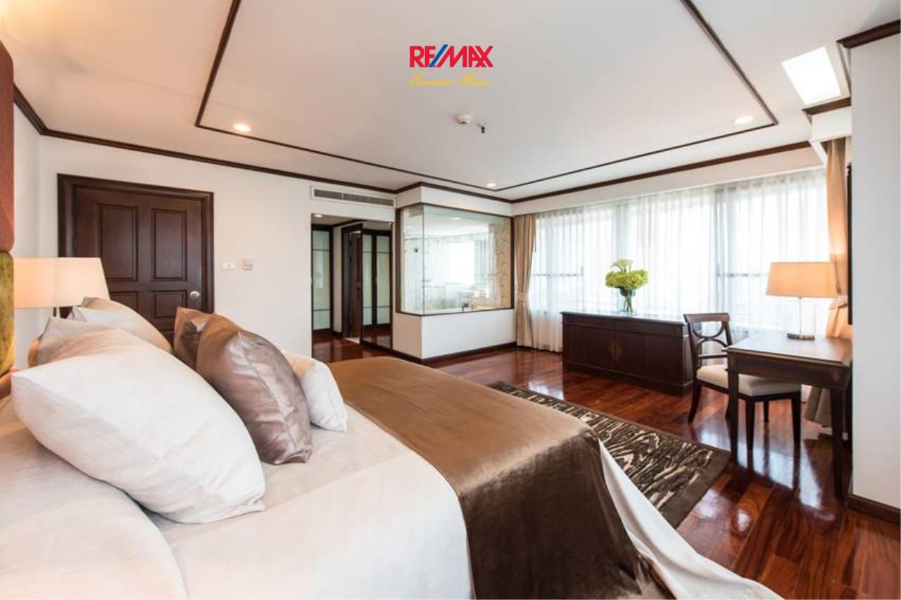 RE/MAX Executive Homes Agency's Stunning 3+1 Bedroom for Rent near BTS Asoke 2