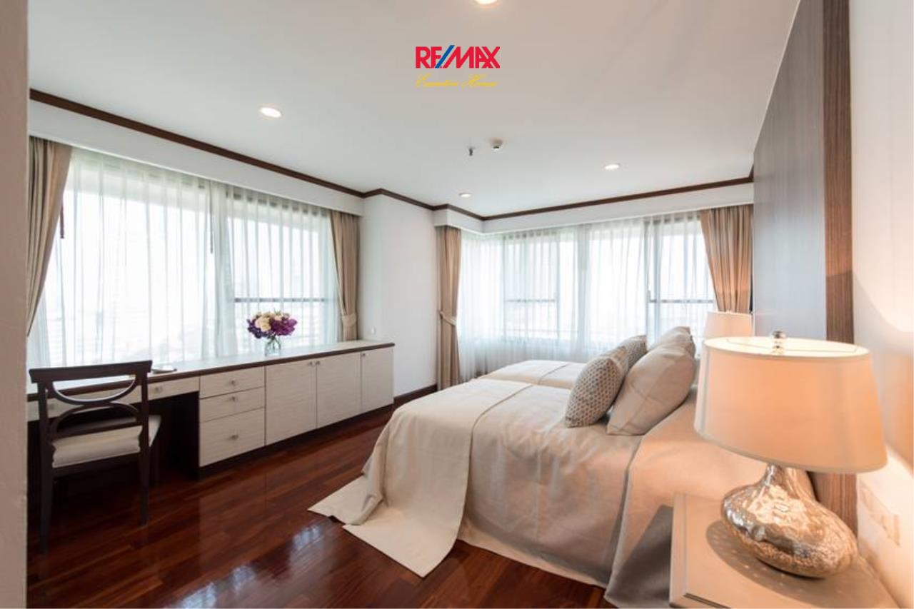 RE/MAX Executive Homes Agency's Stunning 3+1 Bedroom for Rent near BTS Asoke 4