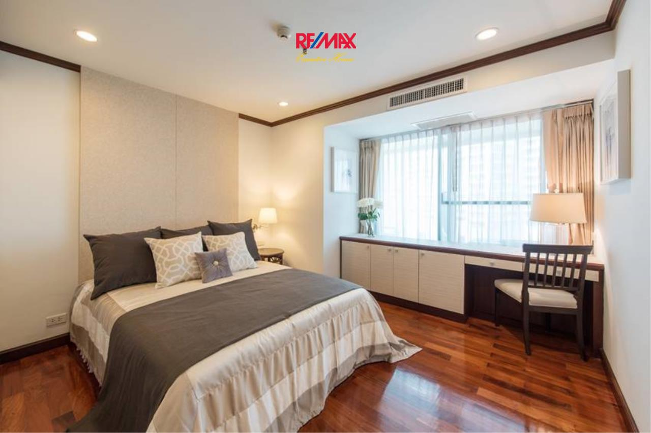 RE/MAX Executive Homes Agency's Stunning 3+1 Bedroom for Rent near BTS Asoke 3