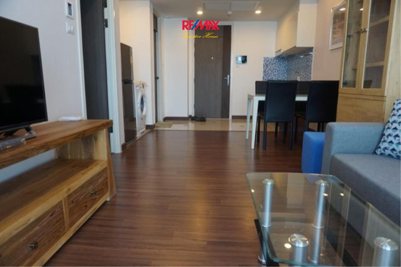RE/MAX Executive Homes Agency's Spacious 1 Bedroom for Rent Supalai Elite 4