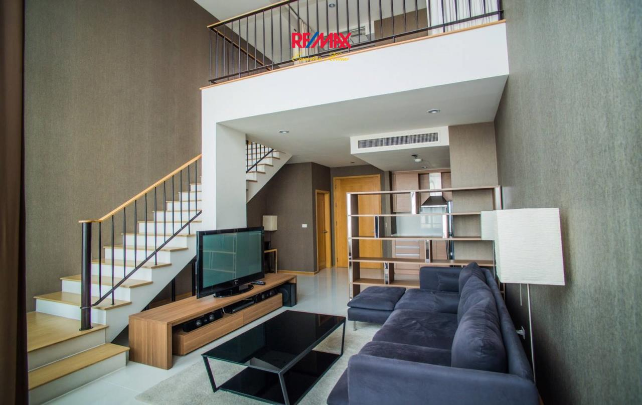 RE/MAX Executive Homes Agency's Spacious 1 Bedroom Duplex for Rent Emporio Place 1