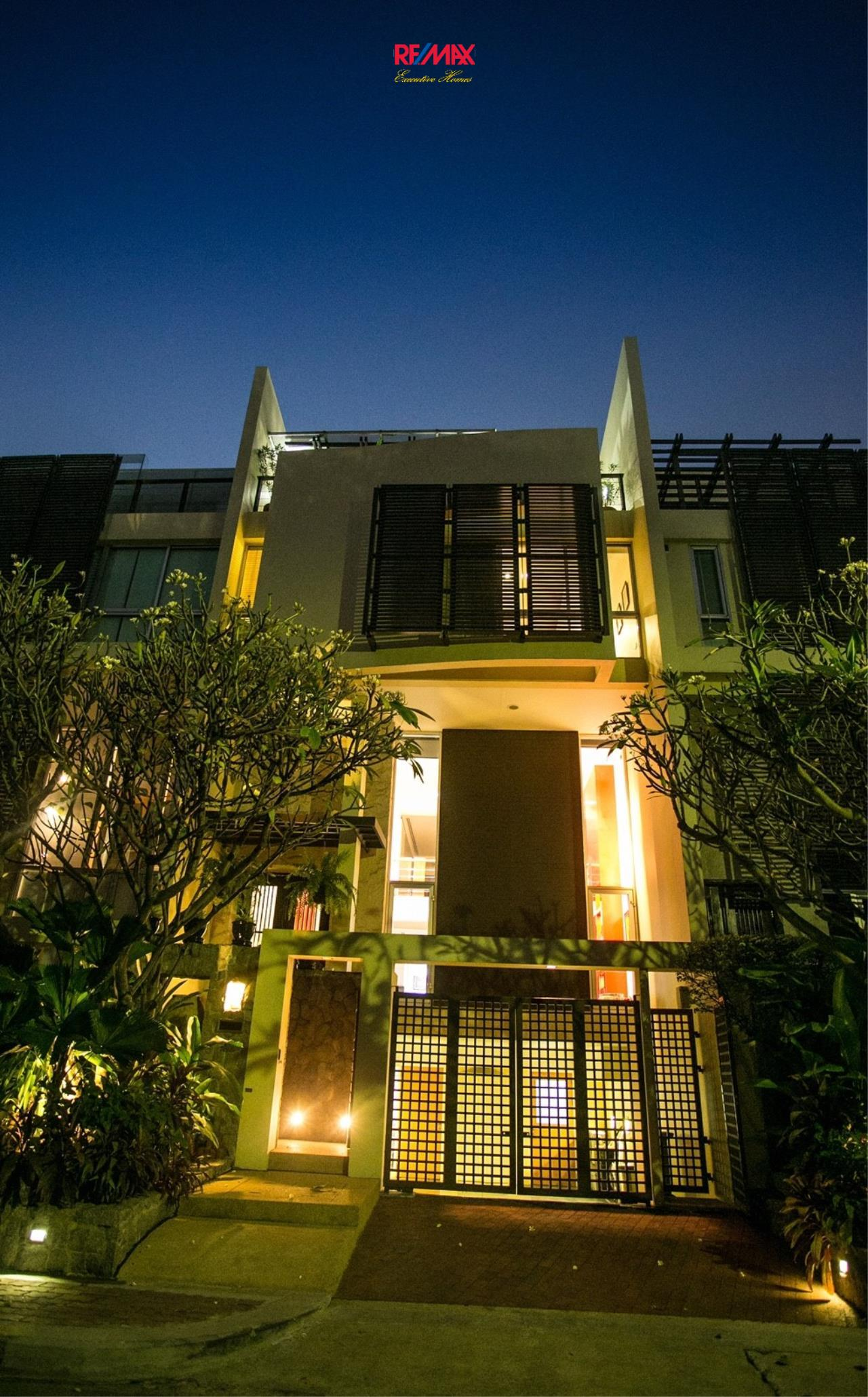 RE/MAX Executive Homes Agency's Beautiful 4 Bedroom for Sale The Lofts Sathorn 2