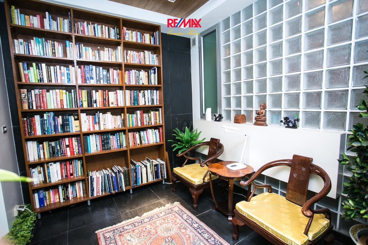 RE/MAX Executive Homes Agency's Beautiful 4 Bedroom for Sale The Lofts Sathorn 6