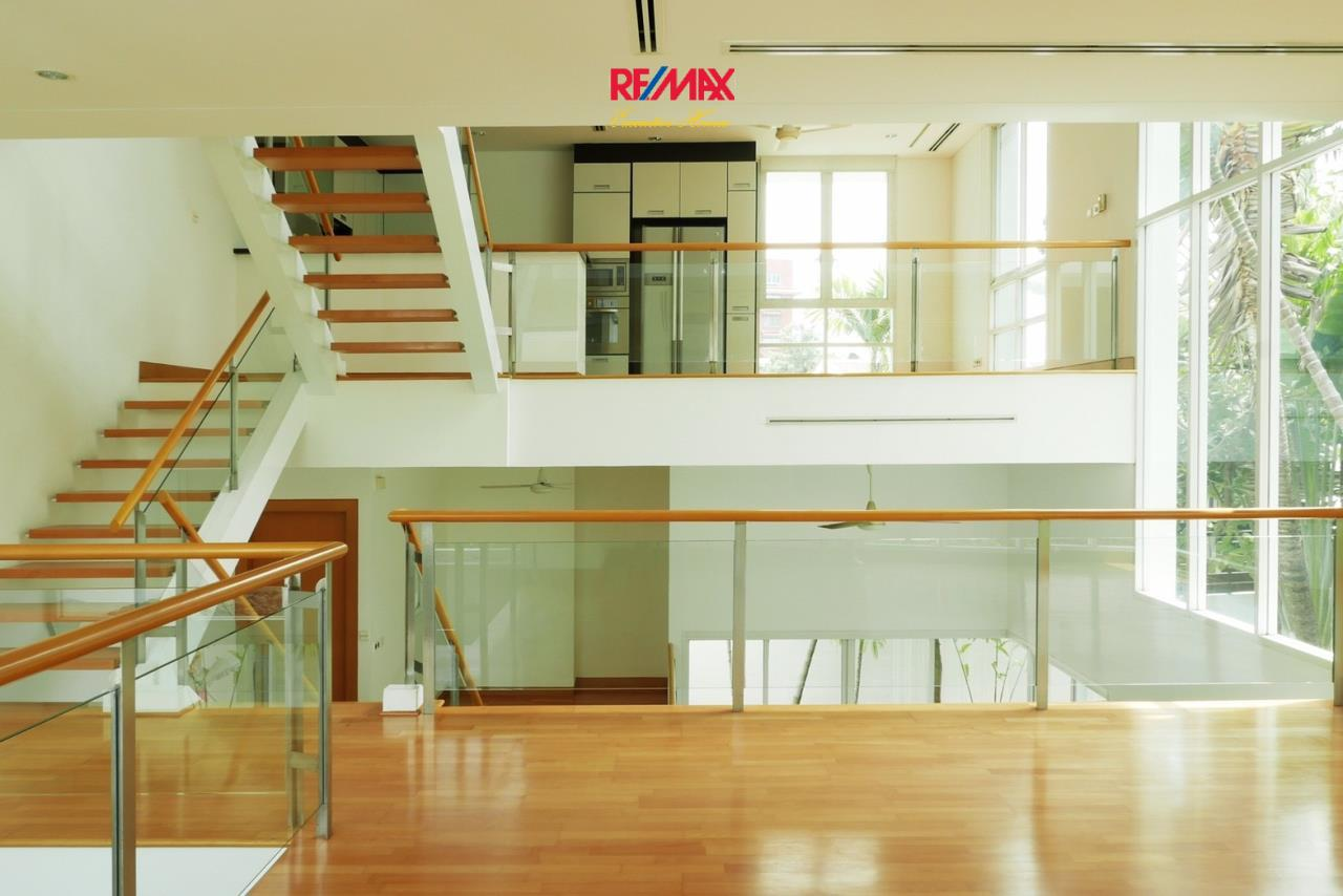 RE/MAX Executive Homes Agency's Stunning 4 Bedroom Townhouse for Sale The Tree Sathorn 8