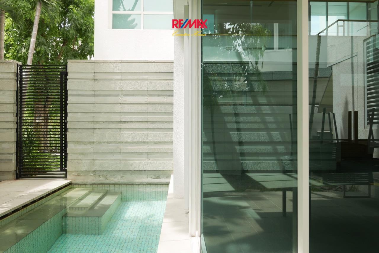 RE/MAX Executive Homes Agency's Stunning 4 Bedroom Townhouse for Sale The Tree Sathorn 9