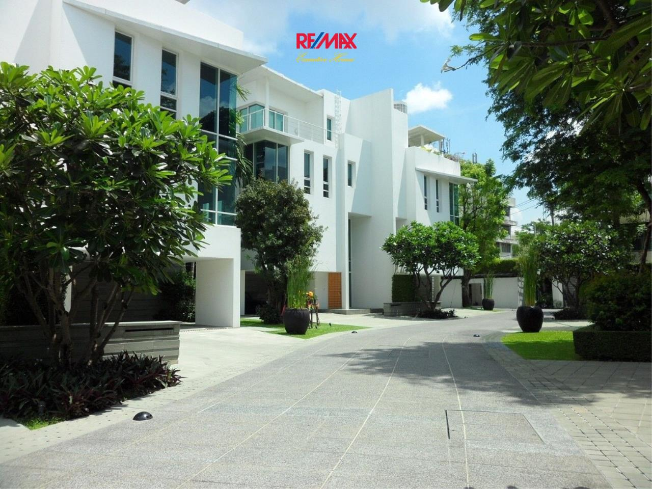 RE/MAX Executive Homes Agency's Stunning 4 Bedroom Townhouse for Sale The Tree Sathorn 1