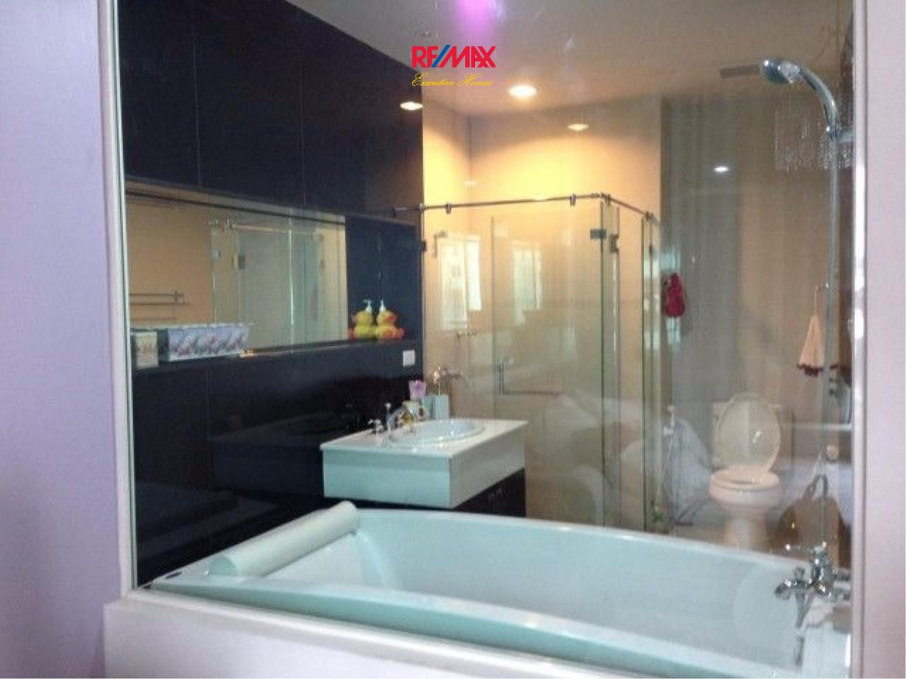 RE/MAX Executive Homes Agency's Cozy Studio type Bedroom for Sale with Tenant Address Chidlom 4