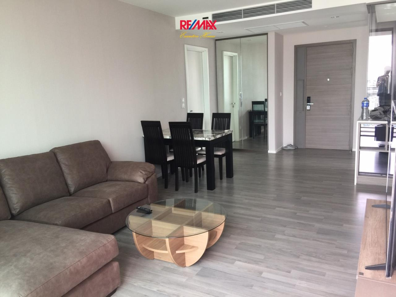 RE/MAX Executive Homes Agency's Cozy 2 Bedroom for Rent The Room 69 2