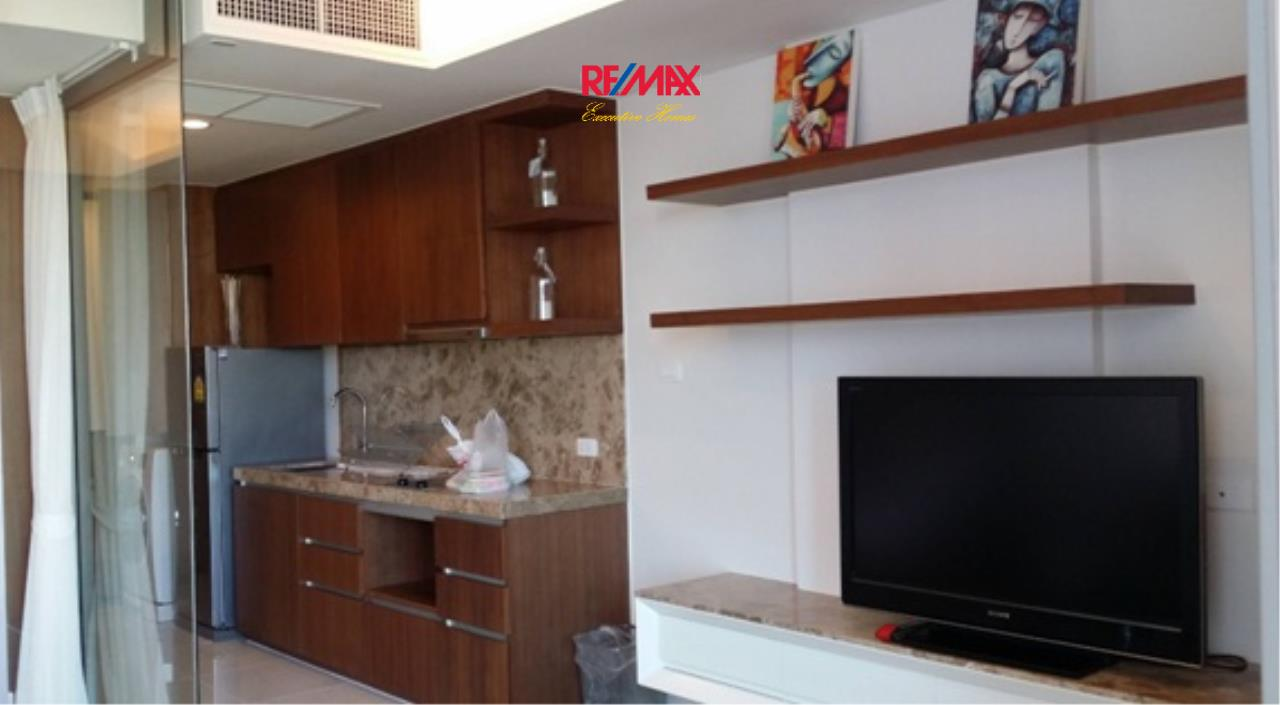 RE/MAX Executive Homes Agency's Spacious 1 Bedroom for Rent Siamese 39 1