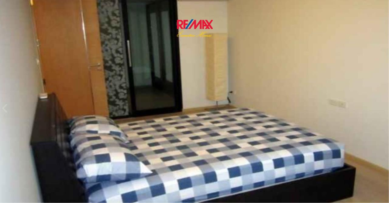 RE/MAX Executive Homes Agency's Spacious 1 Bedroom for Rent Socio Ruamrudee 2
