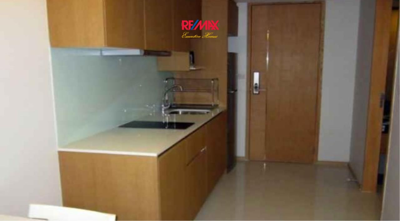 RE/MAX Executive Homes Agency's Spacious 1 Bedroom for Rent Socio Ruamrudee 3