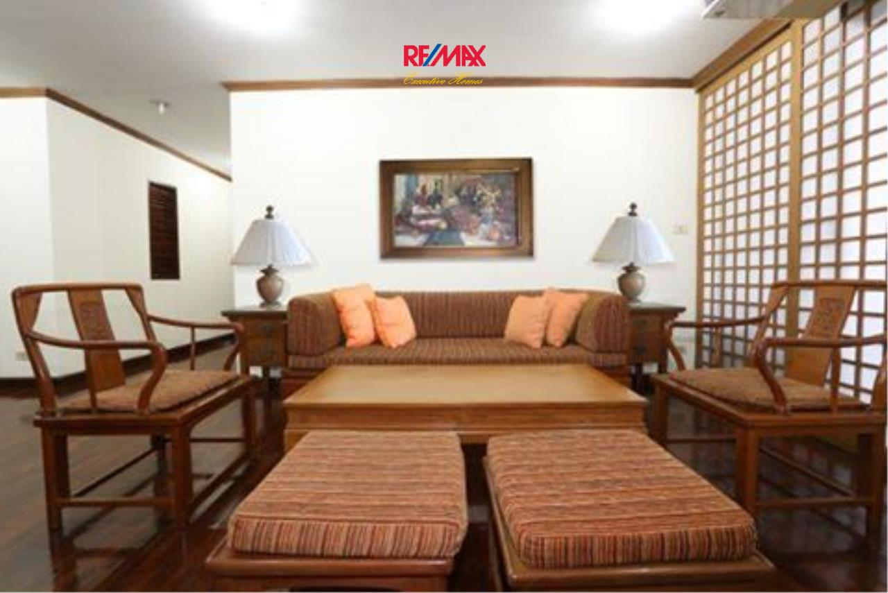 RE/MAX Executive Homes Agency's Spacious 2 Bedroom for Rent Le Premier 2 1