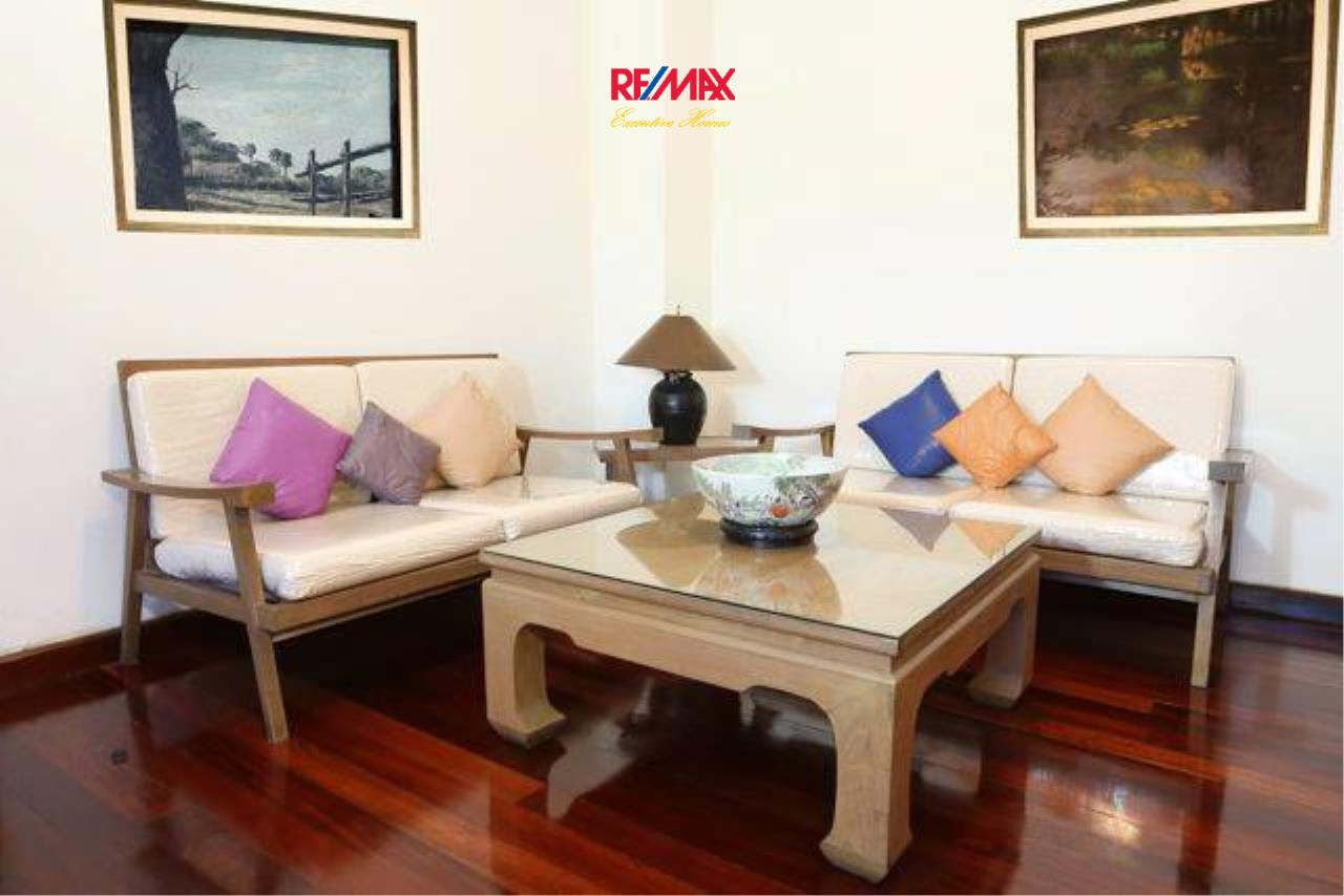 RE/MAX Executive Homes Agency's Spacious 1 Bedroom for Rent Ambassador's Court 1