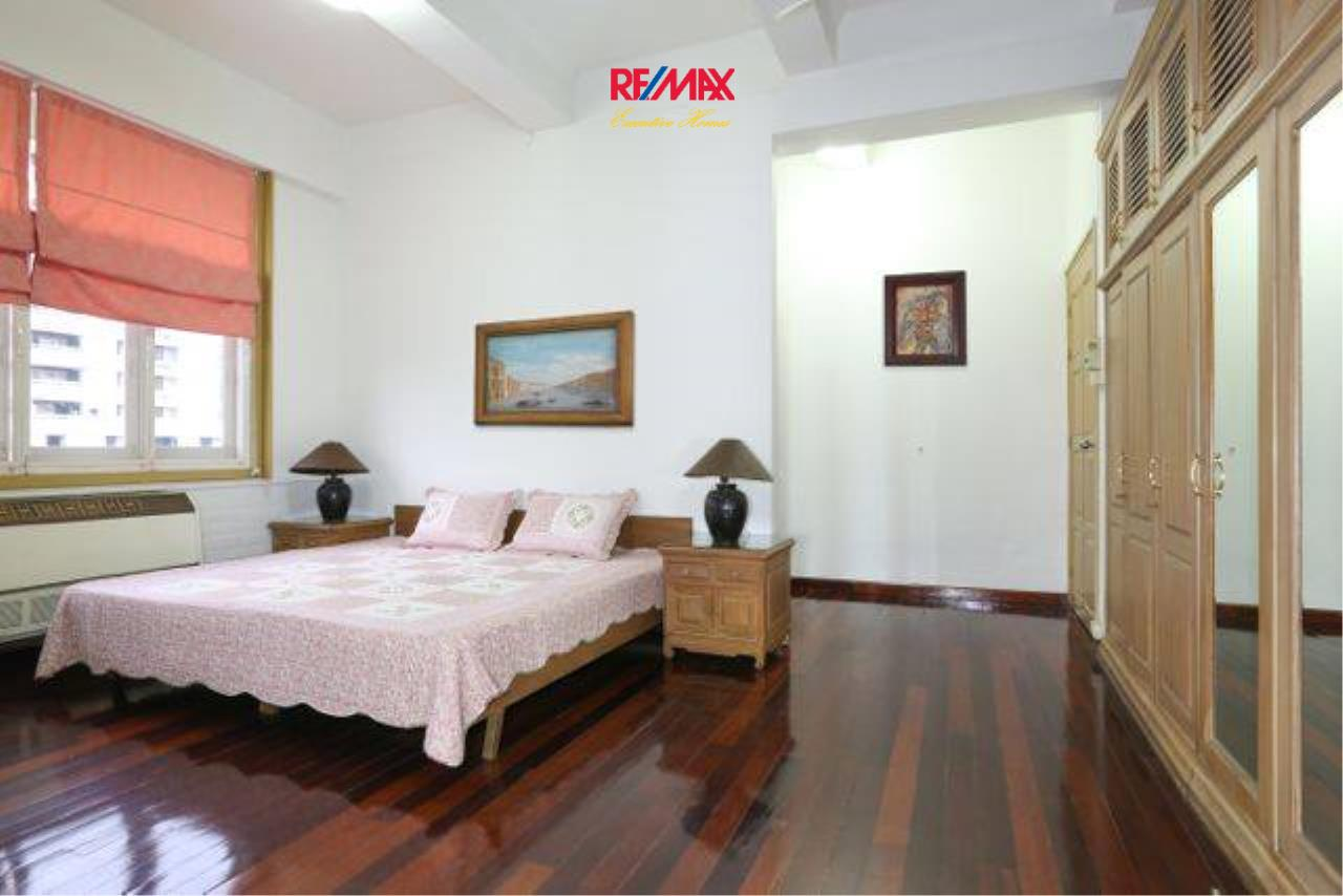 RE/MAX Executive Homes Agency's Spacious 3 Bedroom for Rent Ambassador's Court 4