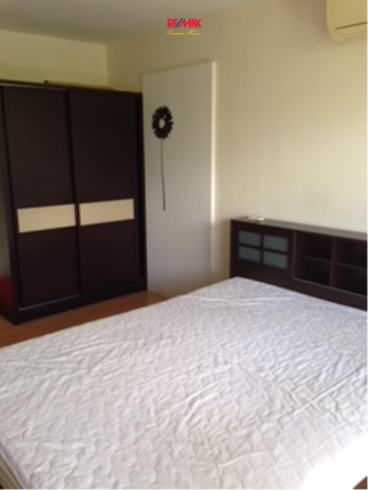 RE/MAX Executive Homes Agency's Nice 1 Studio type Bedroom for Rent The Link 50 1