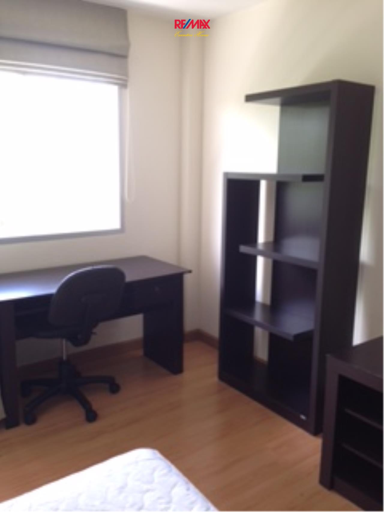 RE/MAX Executive Homes Agency's Nice 1 Studio type Bedroom for Rent The Link 50 3