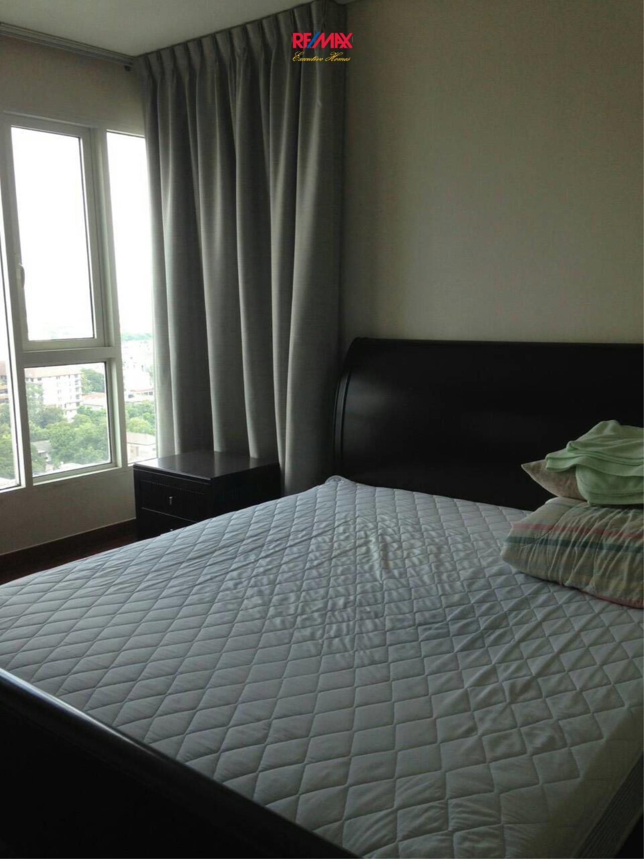 RE/MAX Executive Homes Agency's Cozy 2 Bedroom for Sale with Tenant Ivy Thonglor 3