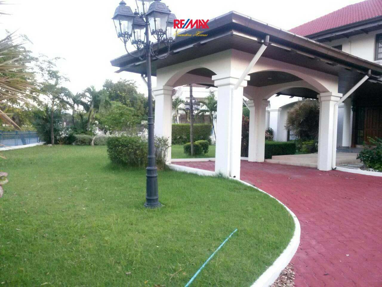 RE/MAX Executive Homes Agency's Huge 5 Bedroom House for Rent Lakeside Villa 2 2