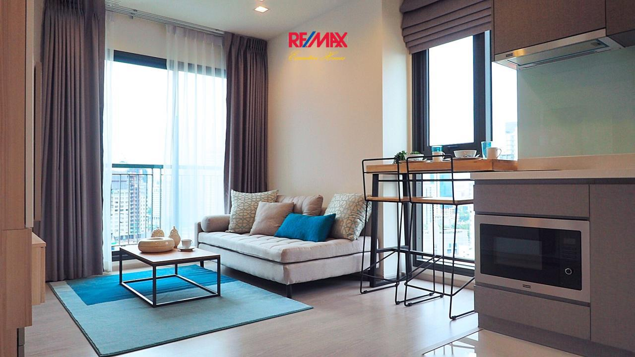 RE/MAX Executive Homes Agency's Stunning 1 Bedroom for Rent Rhythm 36-38 3