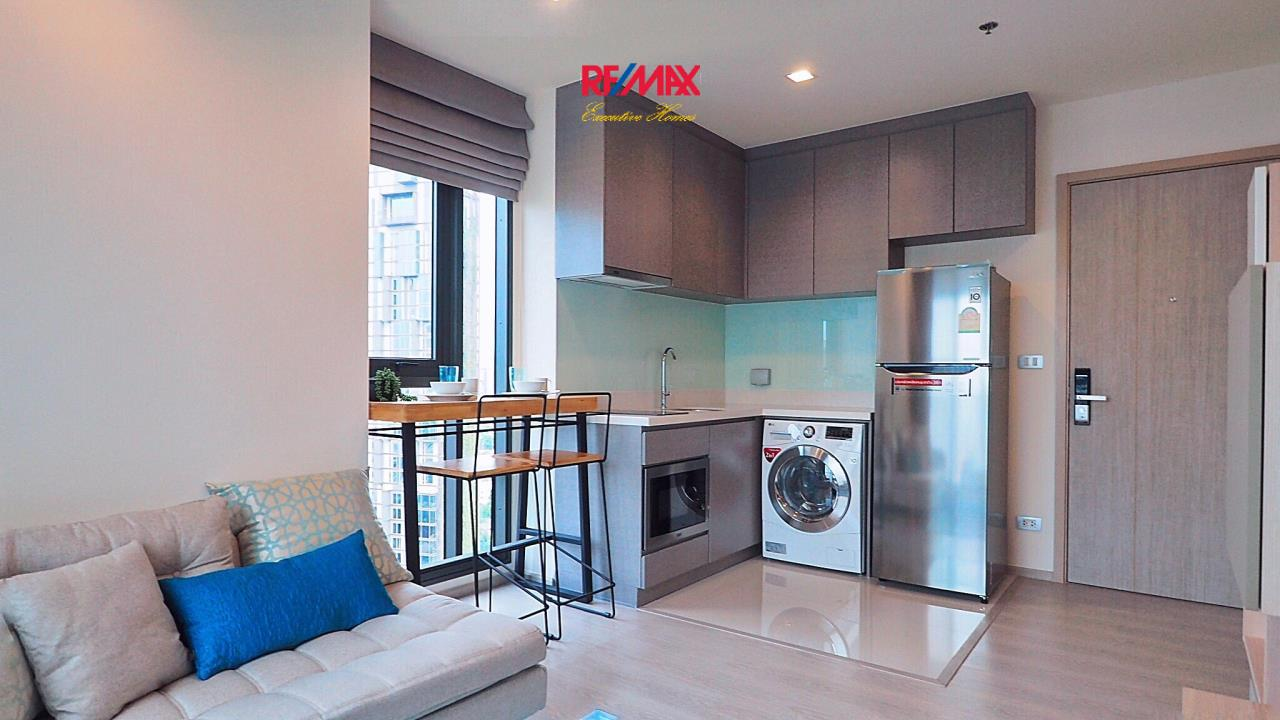 RE/MAX Executive Homes Agency's Stunning 1 Bedroom for Rent Rhythm 36-38 8
