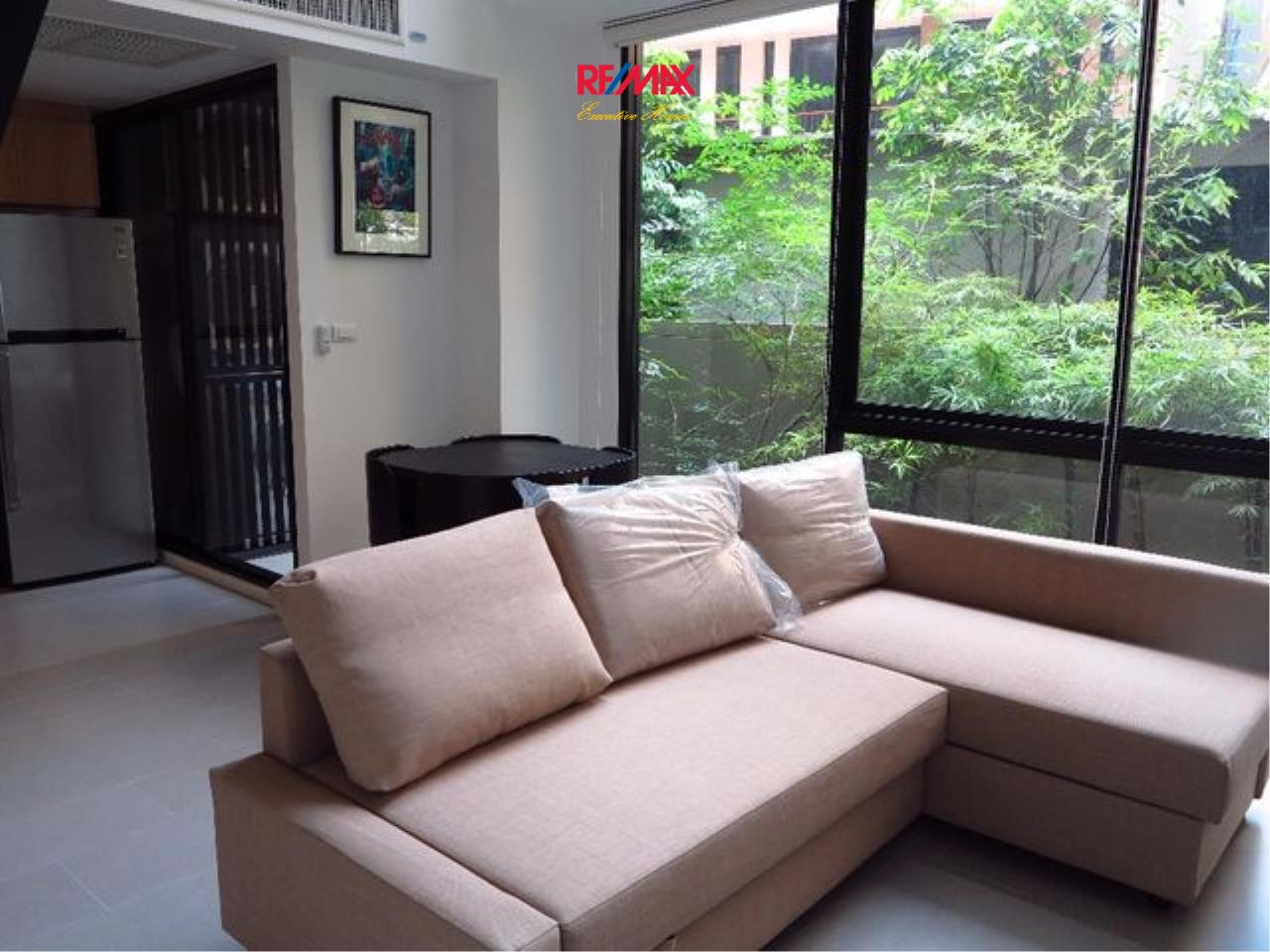 RE/MAX Executive Homes Agency's Spacious 1 Bedroom Duplex for Rent Nest Phloenchit 2