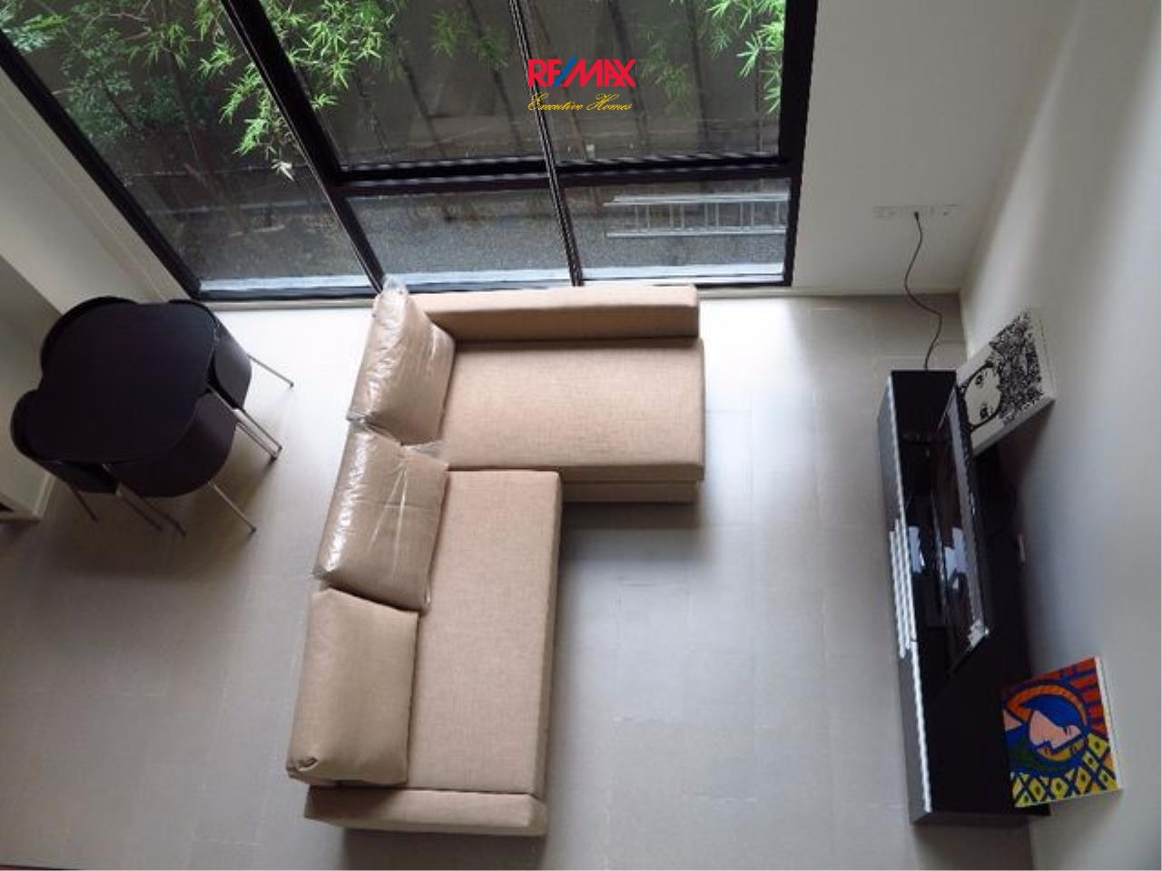 RE/MAX Executive Homes Agency's Spacious 1 Bedroom Duplex for Rent Nest Phloenchit 3