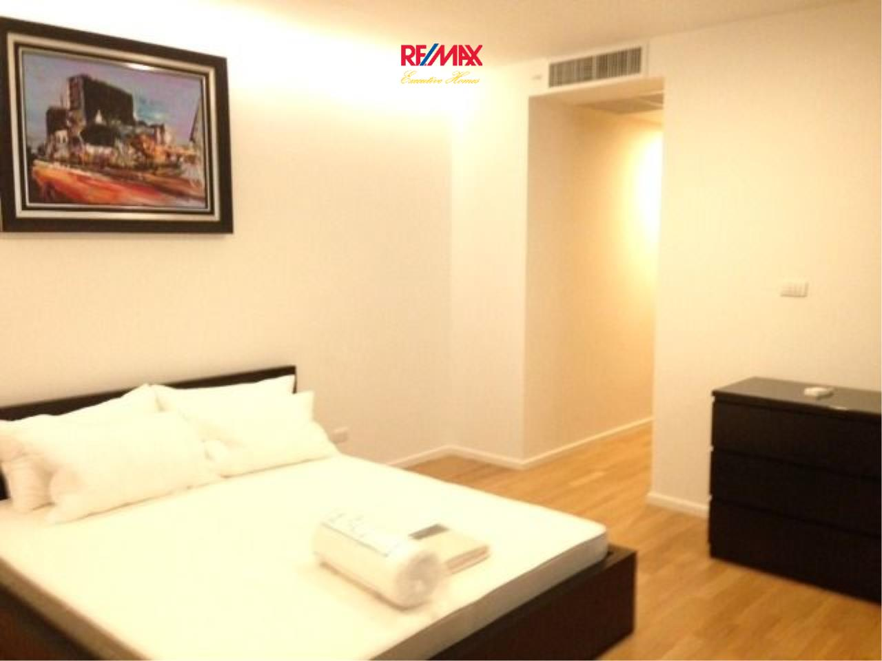 RE/MAX Executive Homes Agency's Spacious 1 Bedroom Duplex for Rent Nest Phloenchit 4
