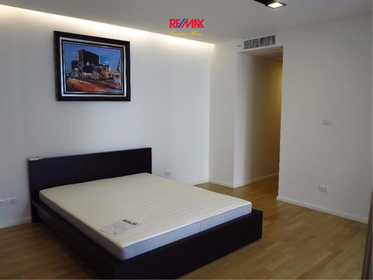 RE/MAX Executive Homes Agency's Spacious 1 Bedroom Duplex for Rent Nest Phloenchit 5
