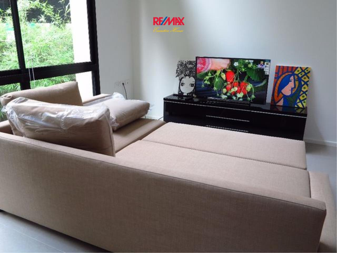 RE/MAX Executive Homes Agency's Spacious 1 Bedroom Duplex for Rent Nest Phloenchit 1