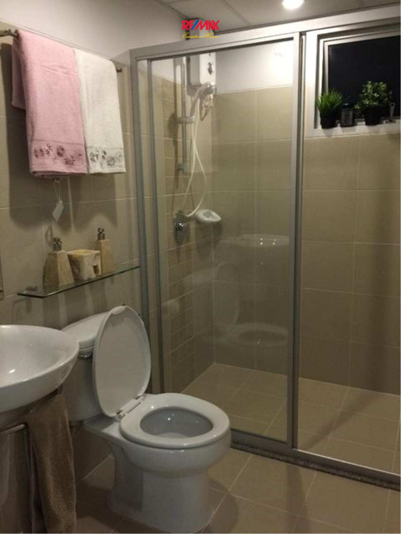 RE/MAX Executive Homes Agency's Lovely 1 Bedroom for rent and Sale Supalai Park Ekamai-Thonglor 7