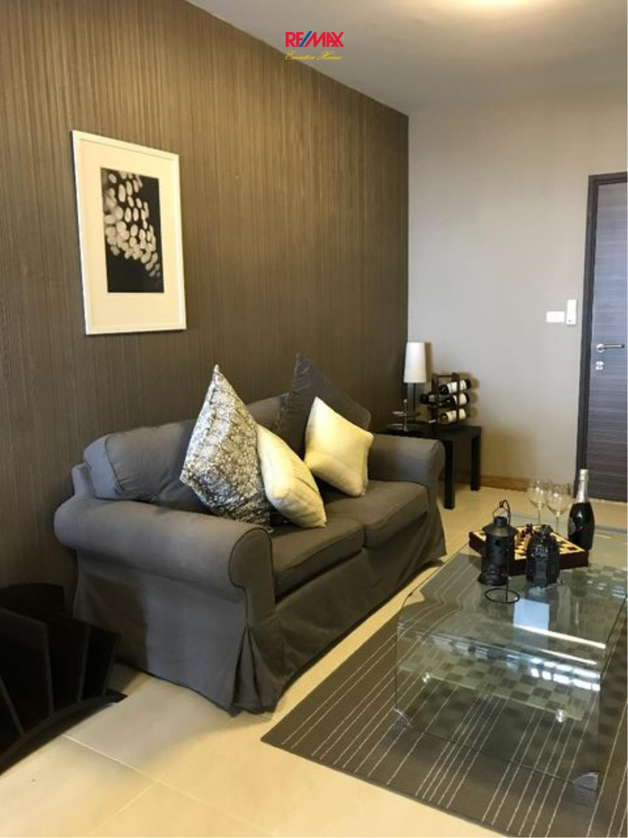RE/MAX Executive Homes Agency's Lovely 1 Bedroom for rent and Sale Supalai Park Ekamai-Thonglor 2