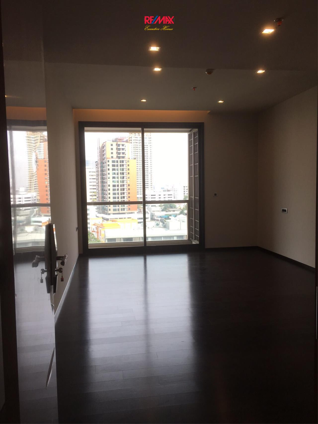 RE/MAX Executive Homes Agency's Spacious 2 Bedroom for Sale XXXIX by Sansiri 1