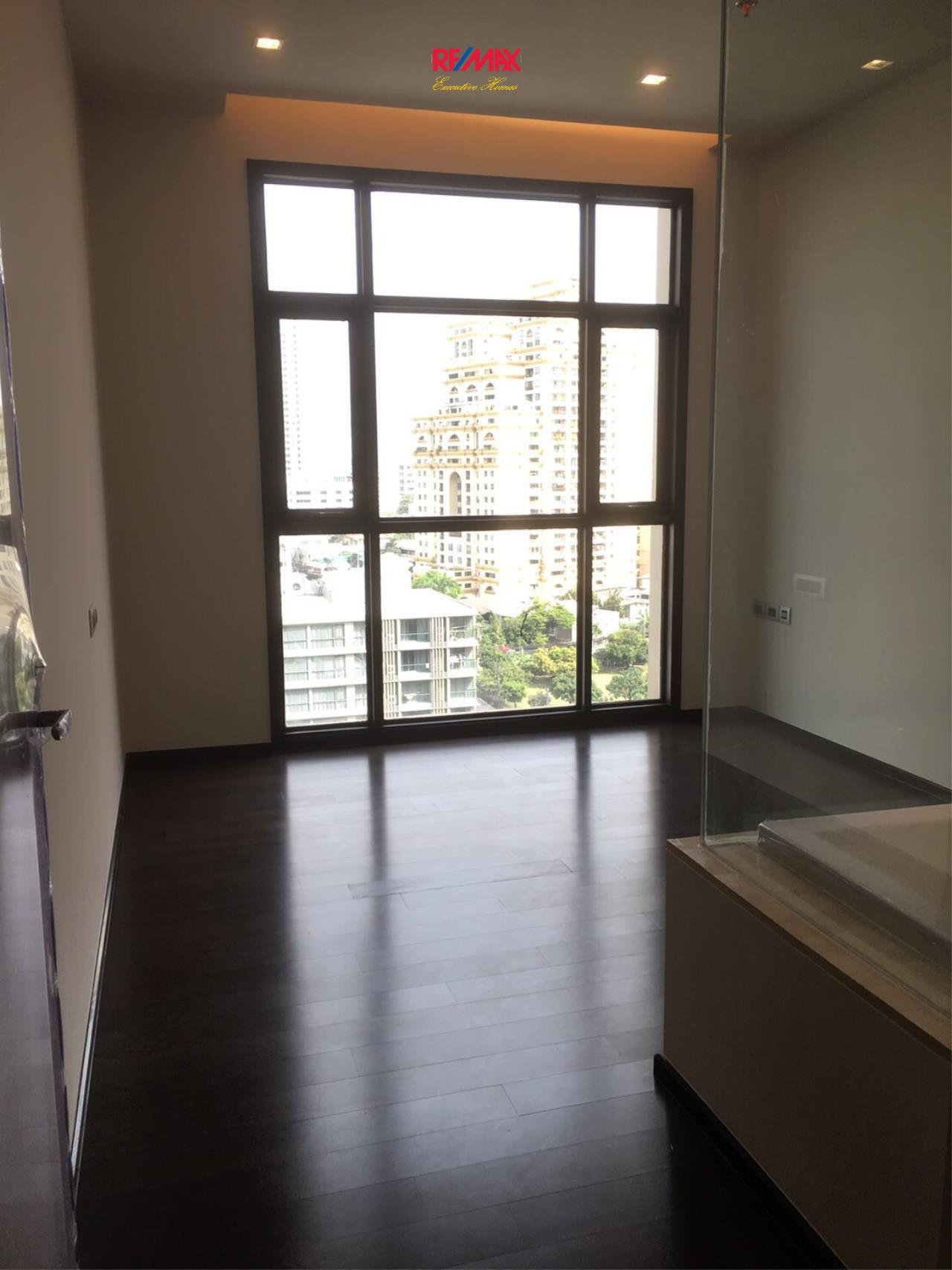 RE/MAX Executive Homes Agency's Spacious 2 Bedroom for Sale XXXIX by Sansiri 4