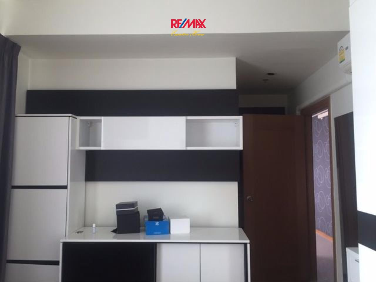 RE/MAX Executive Homes Agency's Spacious 2 Bedroom for Rent and Sale Emporio Place 4
