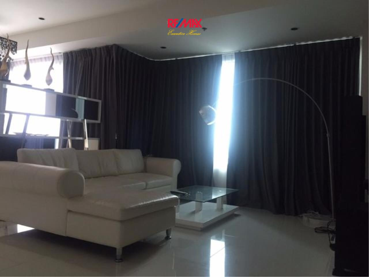 RE/MAX Executive Homes Agency's Spacious 2 Bedroom for Rent and Sale Emporio Place 2