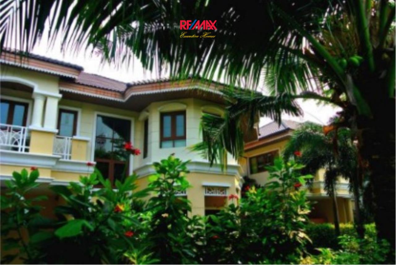 RE/MAX Executive Homes Agency's Spacious 4 Bedroom House for Rent in Ramkhamaeng 1
