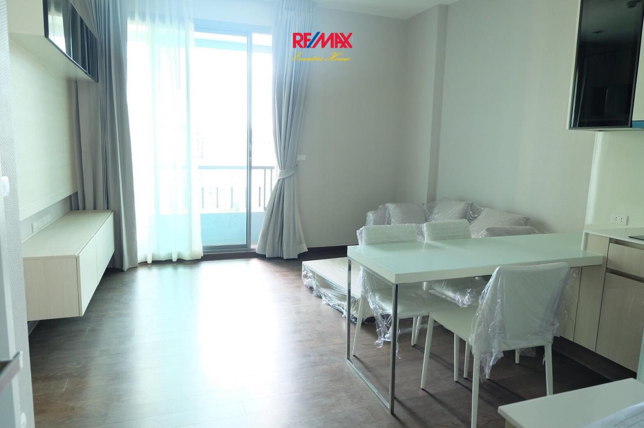 RE/MAX Executive Homes Agency's Nice 1 Bedroom for Sale Q Asoke 1