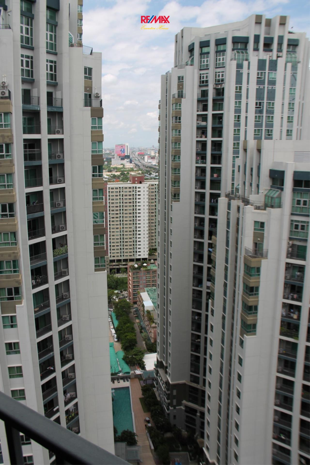 RE/MAX Executive Homes Agency's Nice 2 Bedroom for Rent Belle Grand Rama 9 9