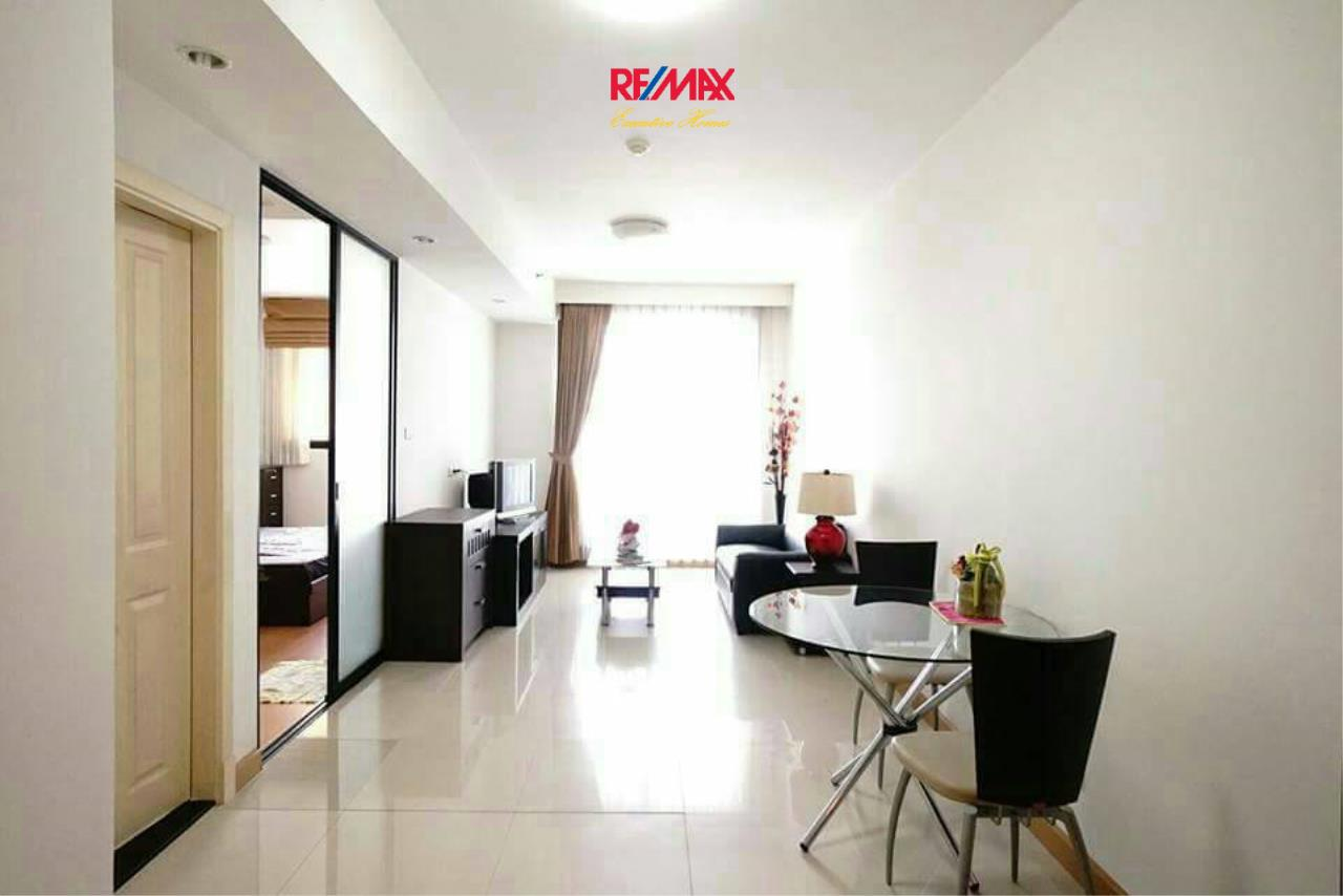 RE/MAX Executive Homes Agency's Spacious 1 Bedroom for Rent Supalai Premier Place Asoke 4