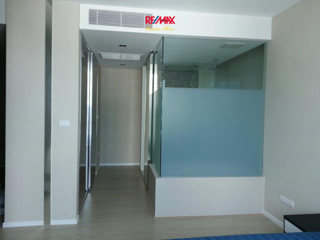 RE/MAX Executive Homes Agency's Lovely 1 Bedroom for Rent The Room 21 5