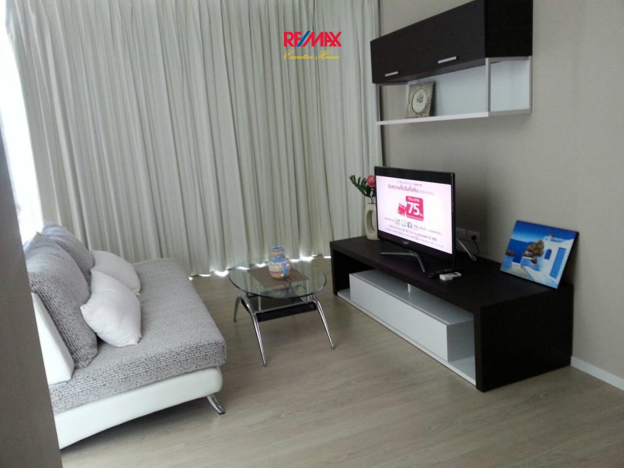 RE/MAX Executive Homes Agency's Lovely 1 Bedroom for Rent The Room 21 1