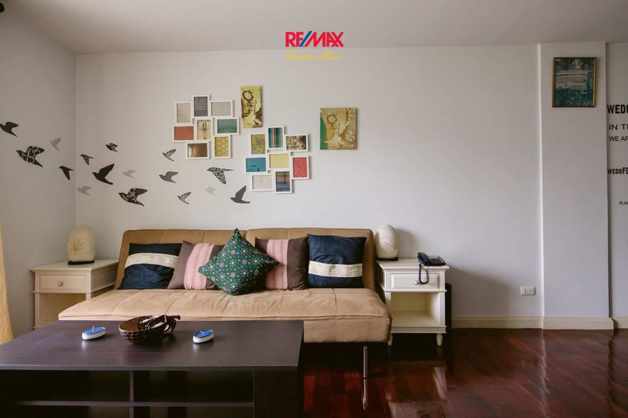 RE/MAX Executive Homes Agency's Spacious 1 Bedroom for Rent 49 Plus 2