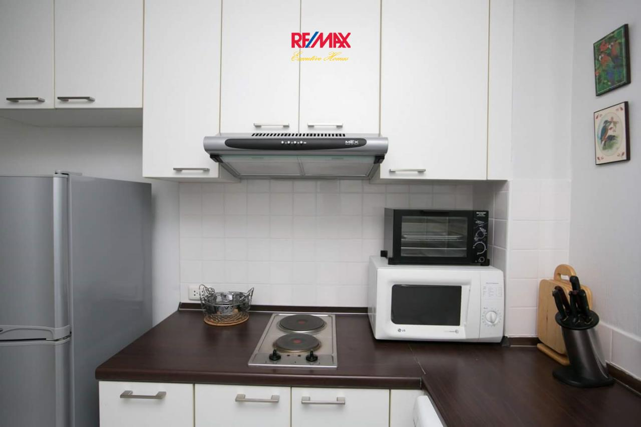 RE/MAX Executive Homes Agency's Spacious 1 Bedroom for Rent 49 Plus 8