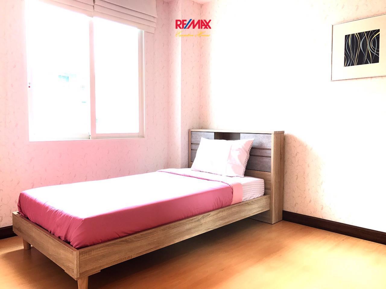RE/MAX Executive Homes Agency's Nice 2 Bedroom for Sale The Bangkok Narathiwas 4